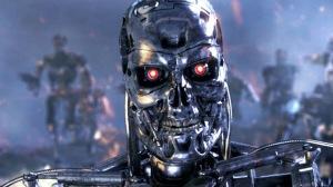 homem contra um robô