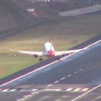 vídeo assustador de avião